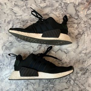 Black Adidas NMD_R1